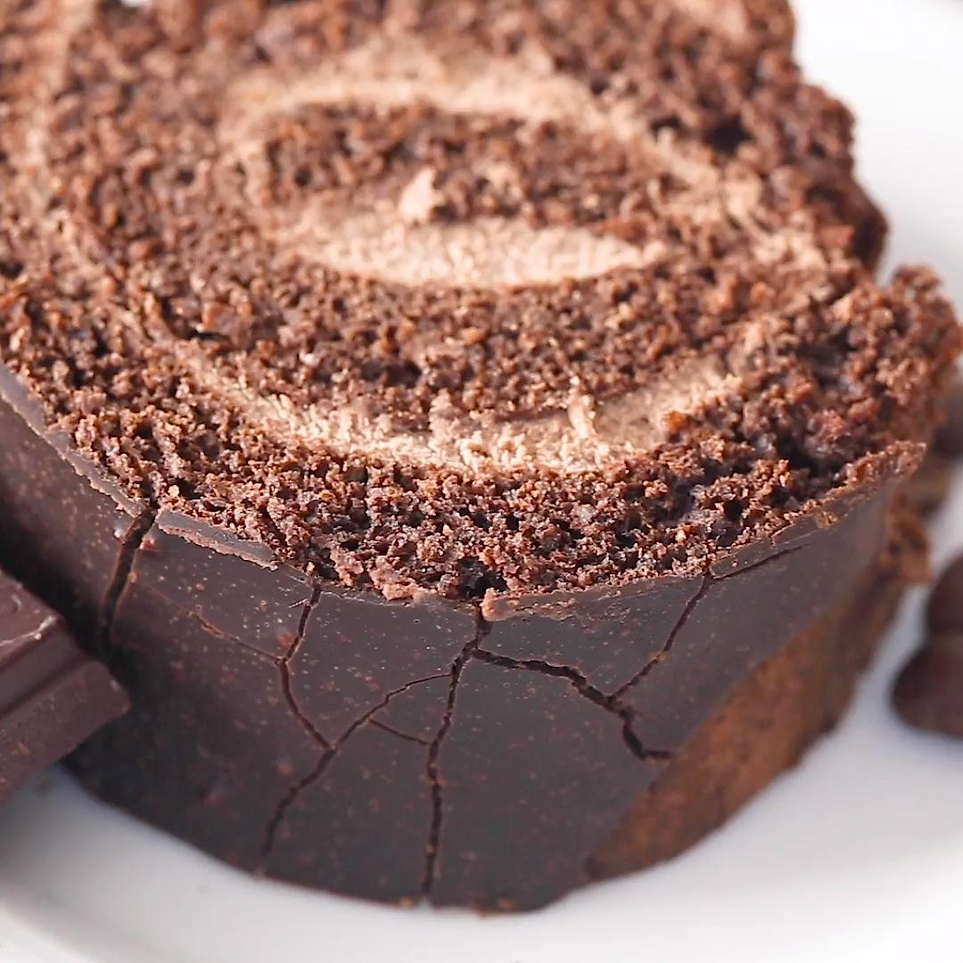 Keto Tiramisu Cake Roll #ketodessert
