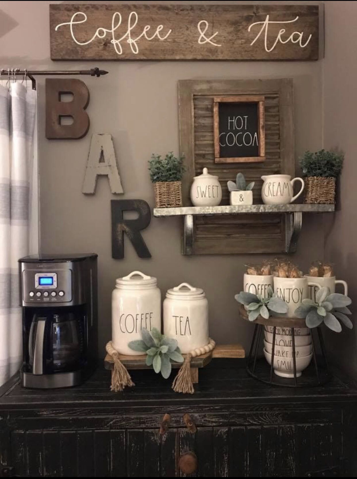 Happy Saturday Excited To Be Out And About All Day House Hunting With My Buyers What Are Your W Design De Cuisine Rustique Bar A Cafe Idee Decoration Cuisine