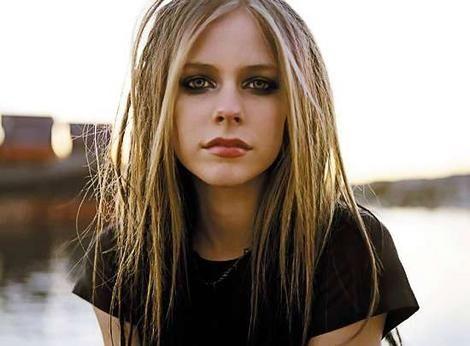 Avril Lavigne Hair Style Strait Hair Avril Lavigne Style Avril Lavigne Photos Avril Lavigne