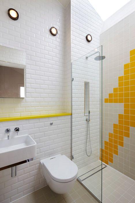 carrelage salle de bain design blanc Showers, Bath and House