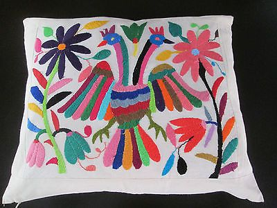 Otomi-hand-embroidered-19-PILLOW-CASE-in-Mexico-mexican-embroidery-colorful