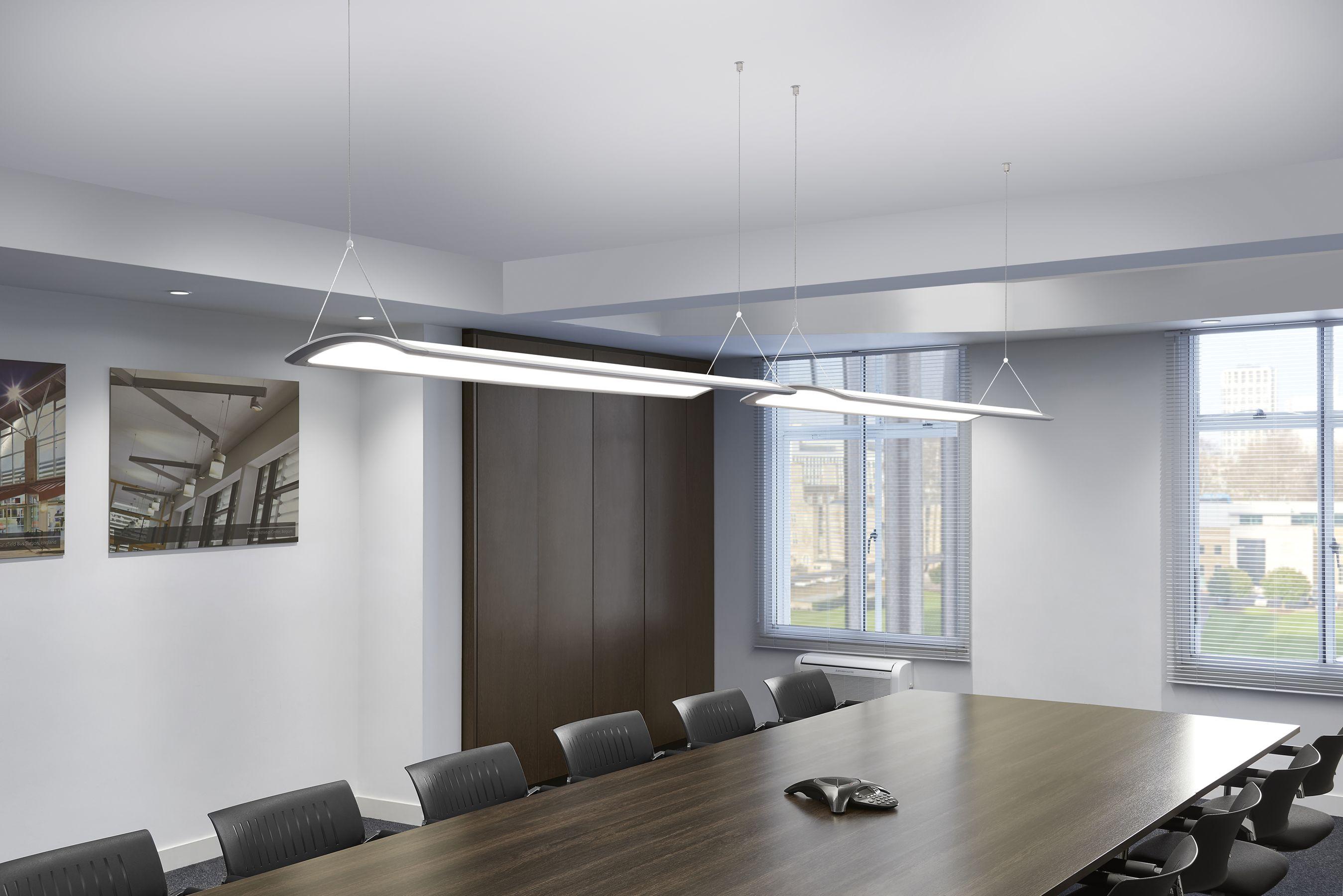 L éclairage de bureau devient architectural avec le plafonnier led