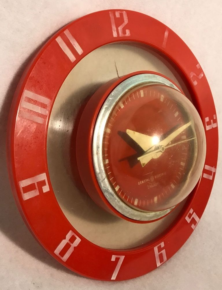 Vintage 1950s Red Bubble Atomic Telechron GE Originality Wall Kitchen Clock