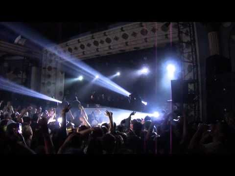 Flosstradamus Live @ The Metro in Chicago; First 9 Minutes of Set