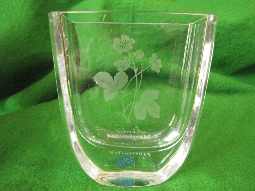Sweden Hand Made By Sea Of Sweden Art Glass Vase Akerbar Norrboten Art Glass Vase Glass Vase Glass Art
