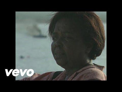 Cesaria Evora - Mar Azul - YouTube