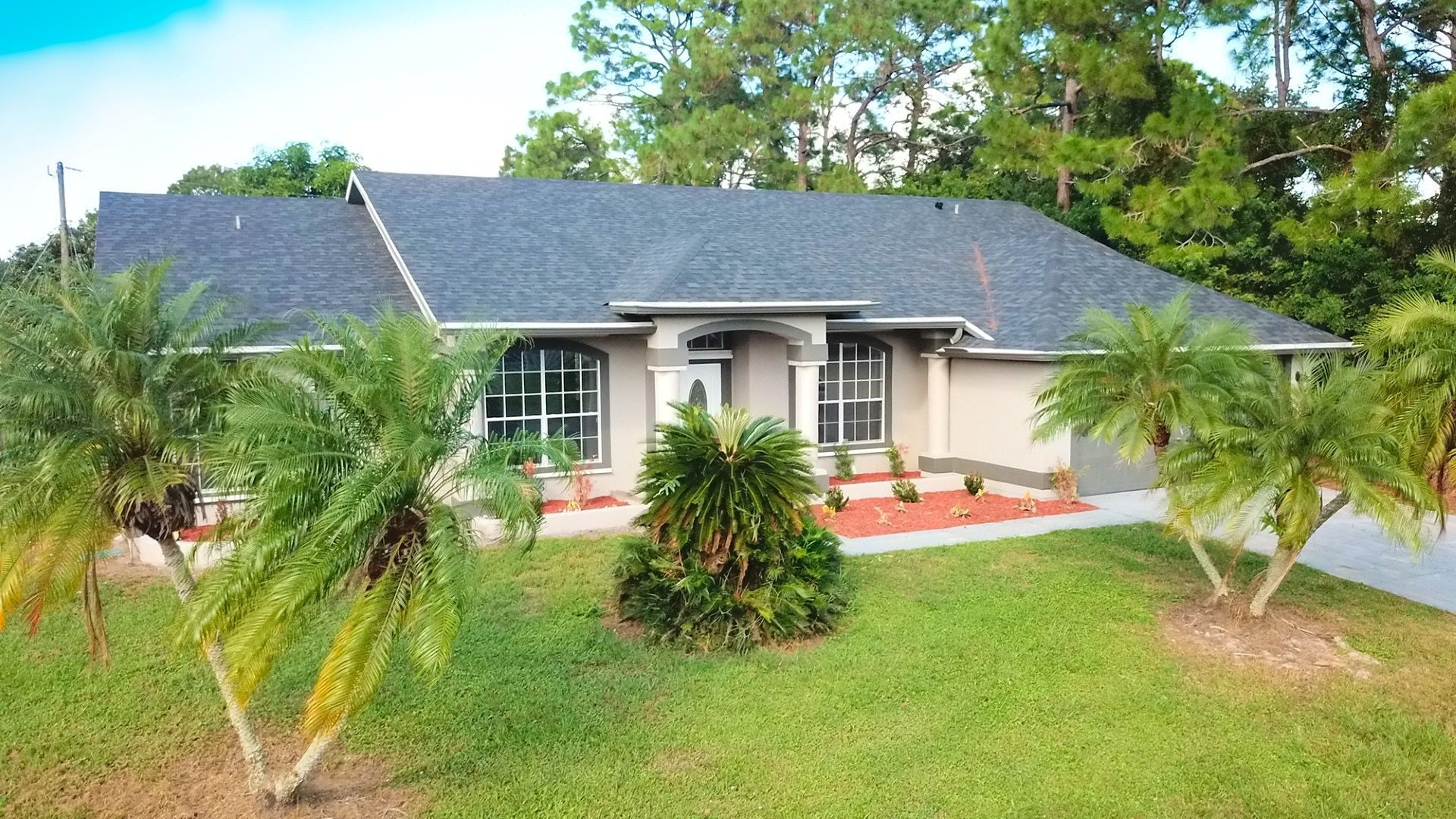 785 Pampas St Nw Brand New Roof 3 Bed 2 Bath 1944 Sq Ft Under Air Move In Ready Home Call Lynn Now 321 427 6788 We Are Ju In 2020 Pampas Burley Outdoor Decor