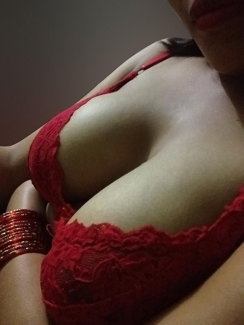 Sexy Bhabhi Deep Cleavage Show Bhabhi Back Sexy Indian -3366
