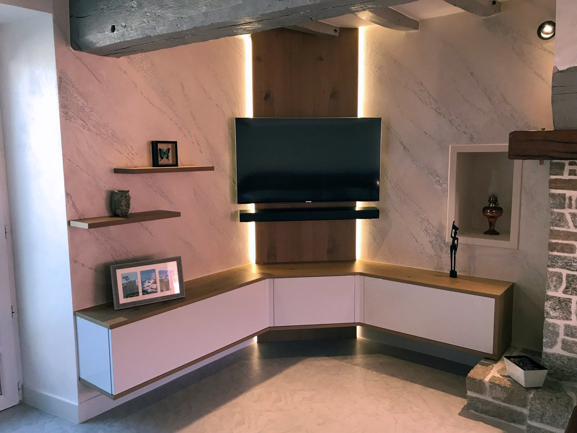 Buy Wonken Tv Unit With Laminate Finish Online In Bangalore Shop Now For Modern Contemporary Living Designs Online Rs 55 825 Cod Emi Available Modern Tv Wall Units Living Room Tv