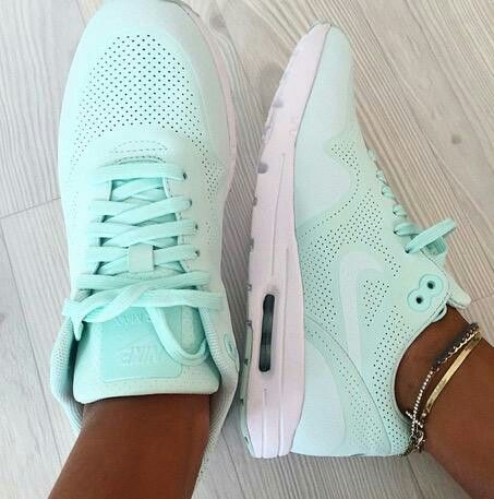 Seafoam green nikes | My Style in 2019 | Running shoes nike