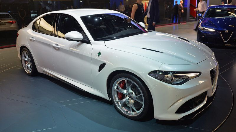 2017 alfa romeo giulia still makes us swoon | alfa romeo giulia