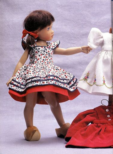 Fashions for small dolls 72