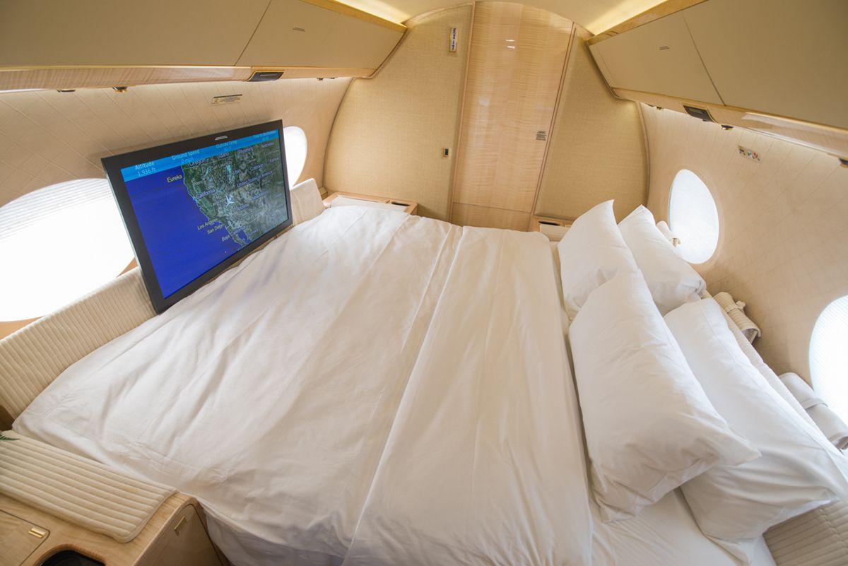 Gulfstream 5 ER night cabin #design #corporatejet #gulfstream