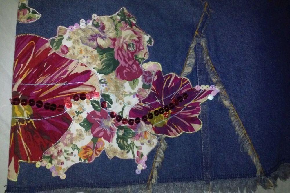 Silk Club Blue Denim Floral Scales Patterened Skirt Size 12 Petite #BlueDenimSkirtSize12 #JeanSkirtSize12