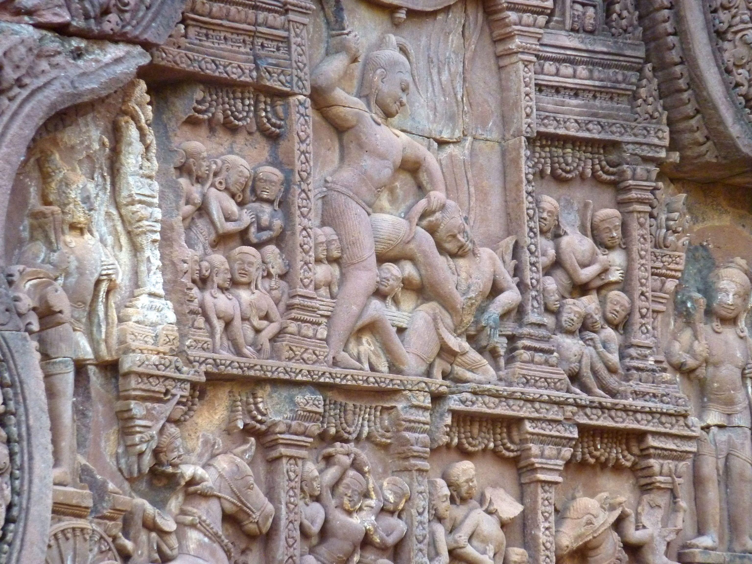 Banteay Srei-krishna killing kamsa