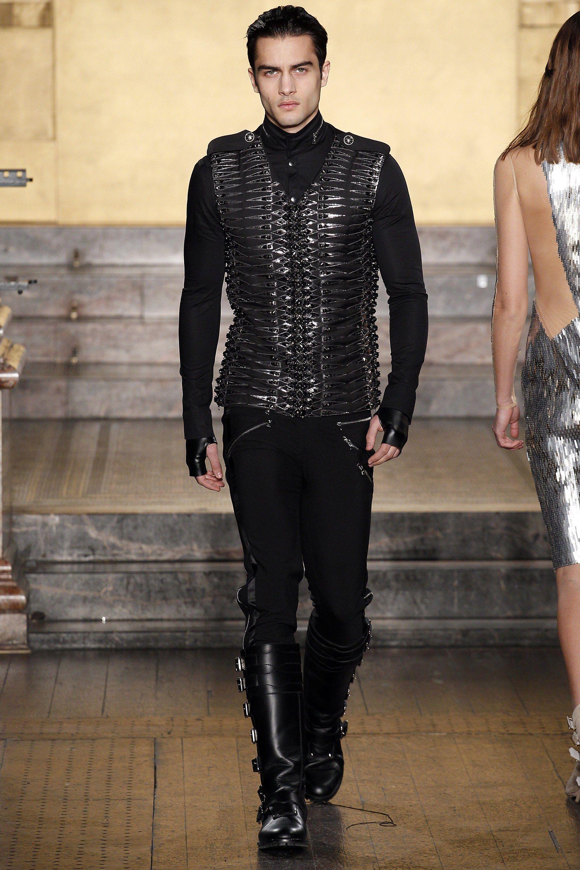 Julien Macdonald Fall 2016 Ready-to-Wear Collection Photos - Vogue