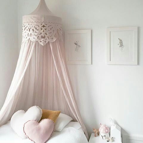 ciel de lit rose drag num ro 74 chambres d 39 enfants en. Black Bedroom Furniture Sets. Home Design Ideas