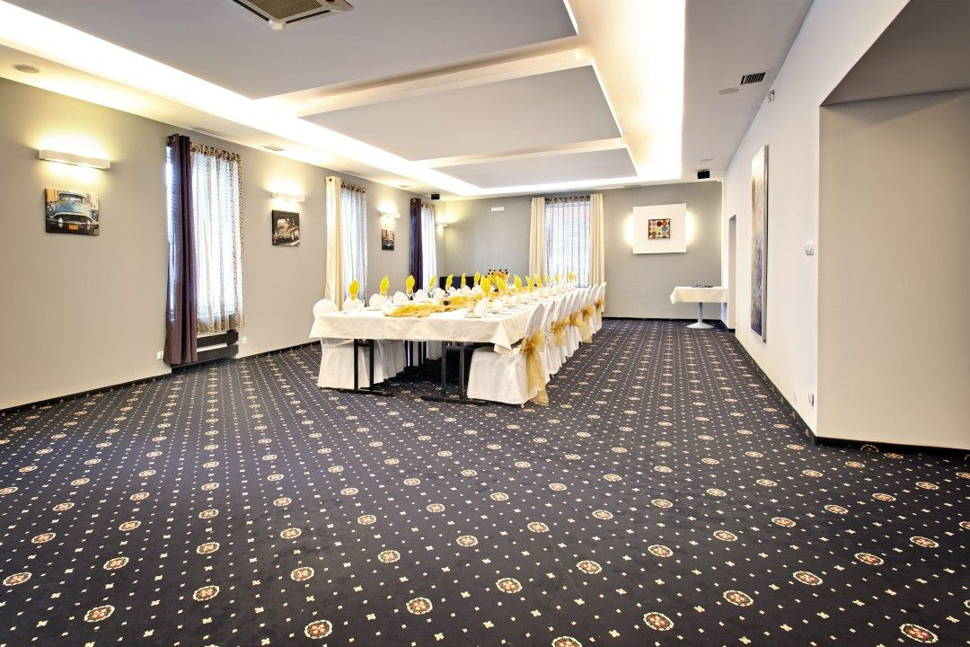 Dopasujemy się do Twoich potrzeb ;) Flooring, Tile floor