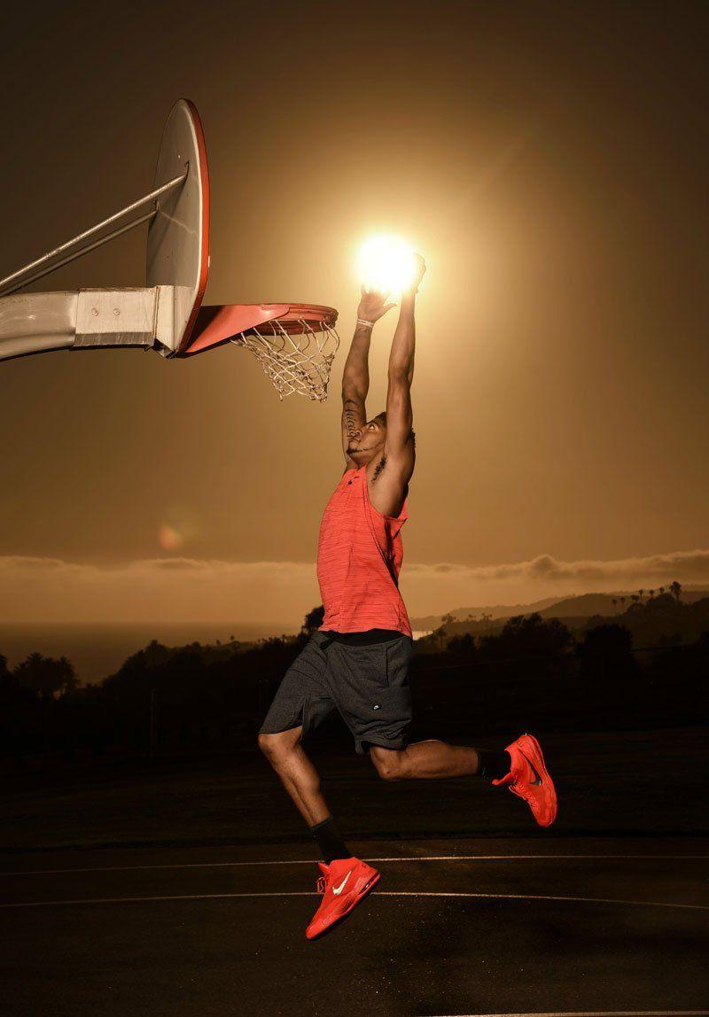 Nba Superstar Anthony Davis Dunks The Sun Basketball