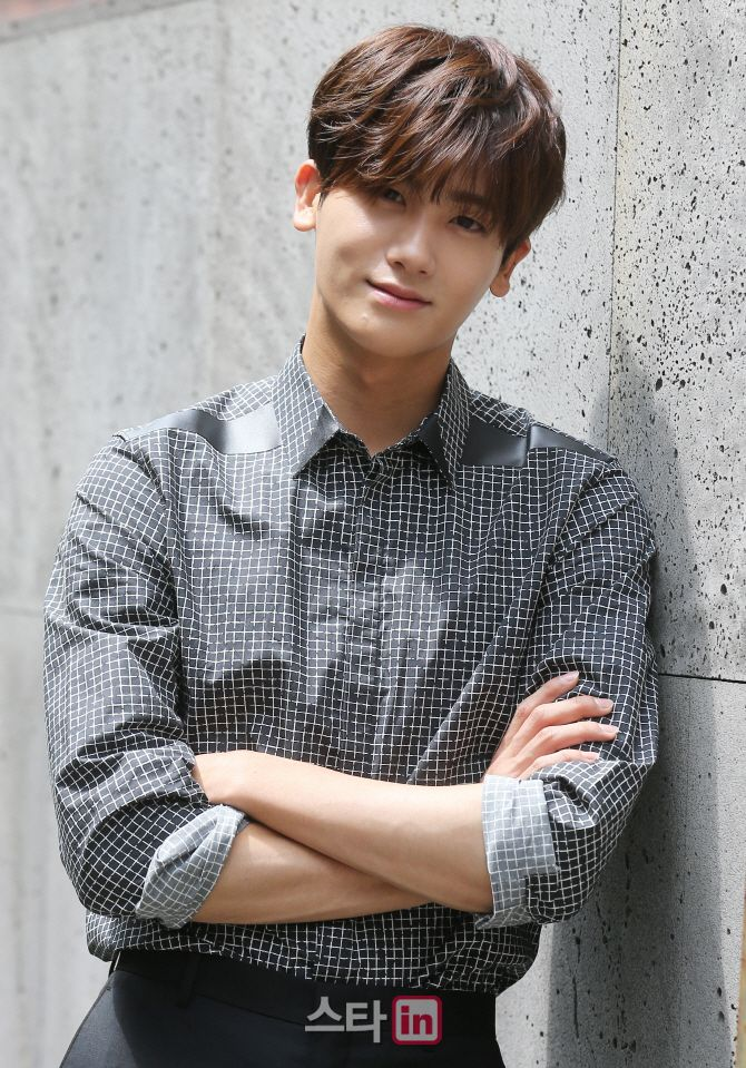 Park Hyung Sik is Handsome and Tired Doing the Post High ...Hyungsik Heirs