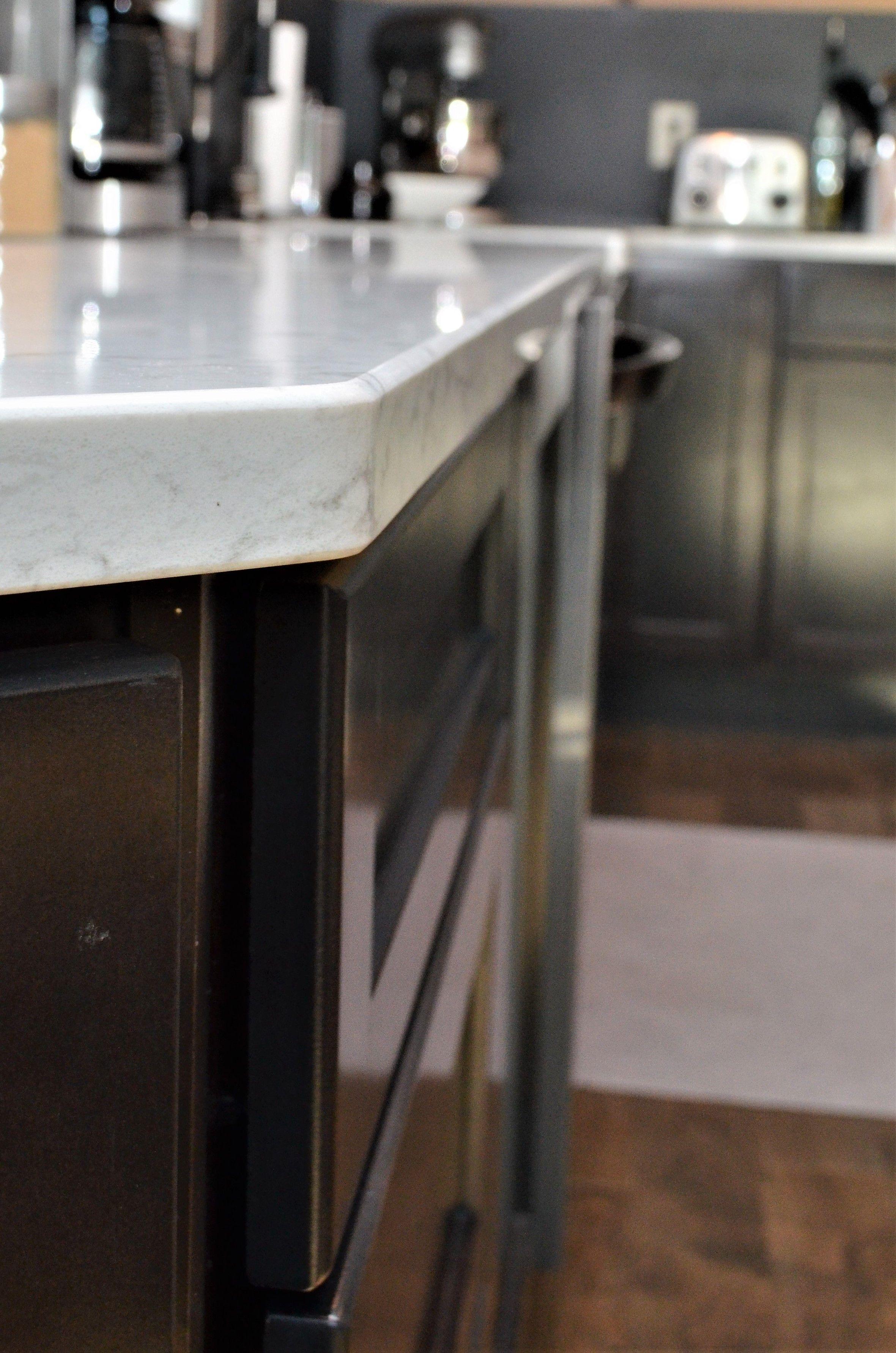 Viatera Quartz Countertop Eased Edge Detail Minuet Color