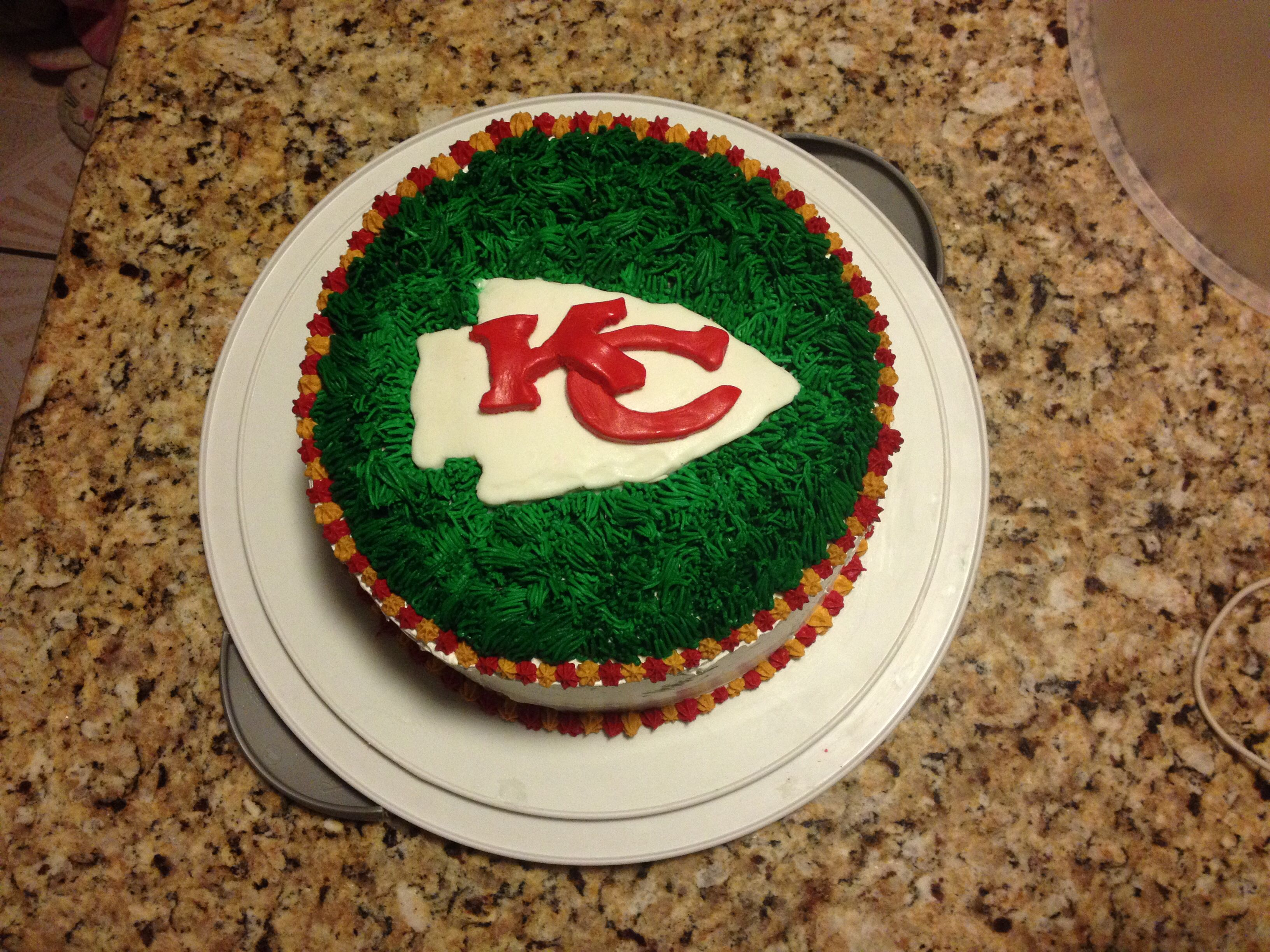 Kc Chiefs Cake With Images Superbowl Party Cake Kc Chiefs