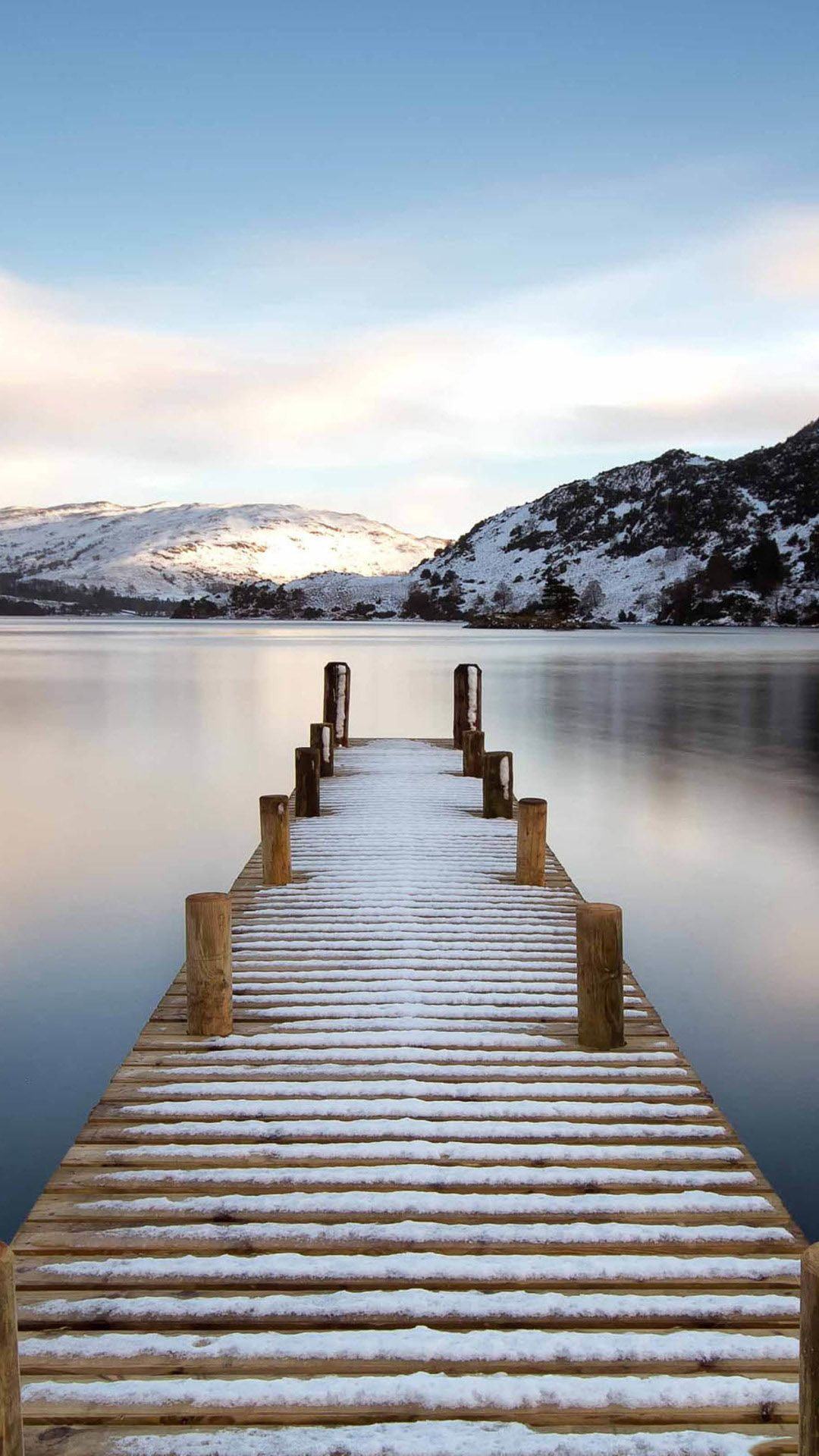 free long exposure wallpaper with snowy pier in the lake