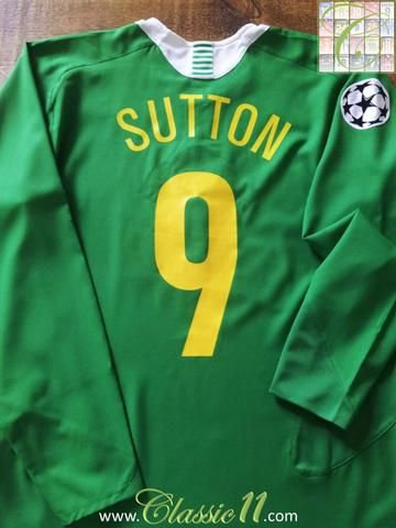 6916ea354ab Relive Chris Sutton s 2005 2006 European season with this original Nike  Celtic away football shirt.