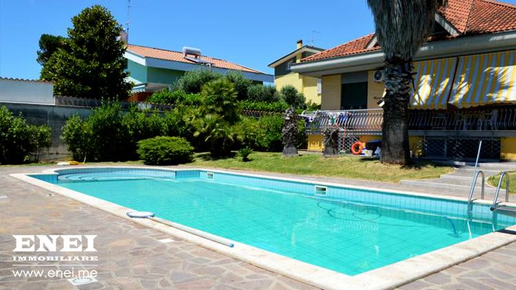 Villa con Piscina Nettuno vendita vendita villa con pigna