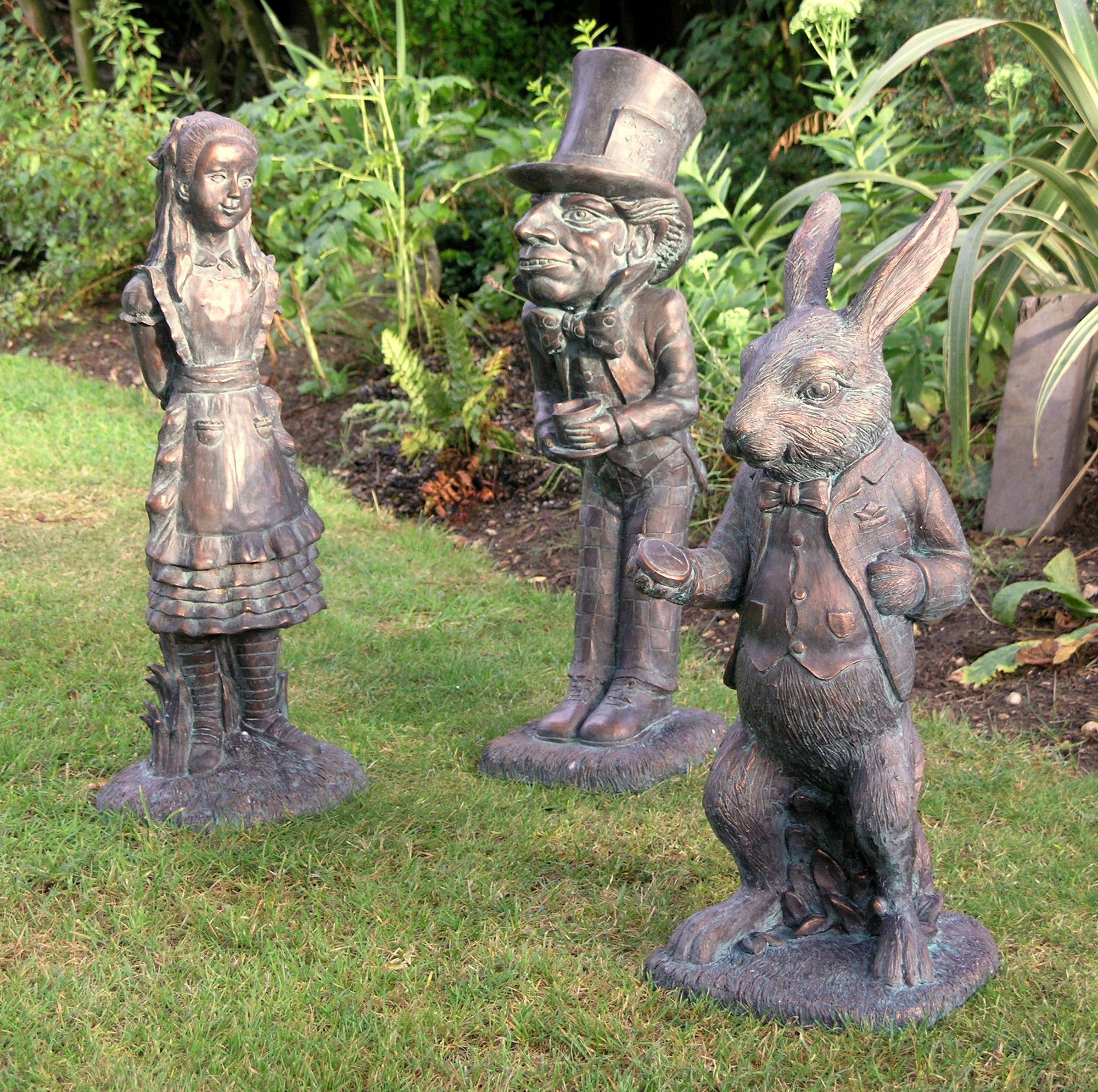 Garden Ornaments to Decorate Your Garden | Garden ornaments, Alice ...