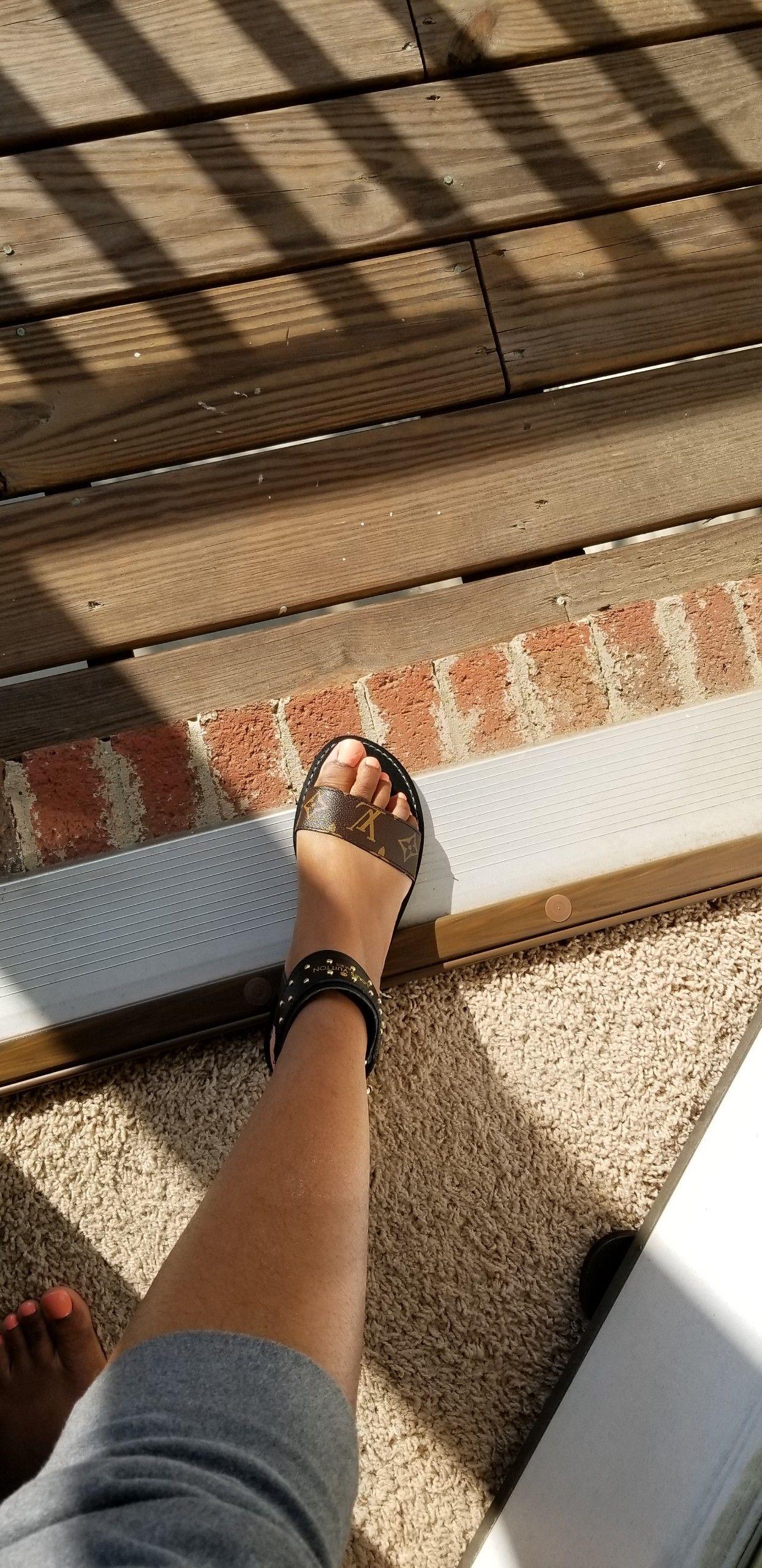 louis vuitton women flip flops