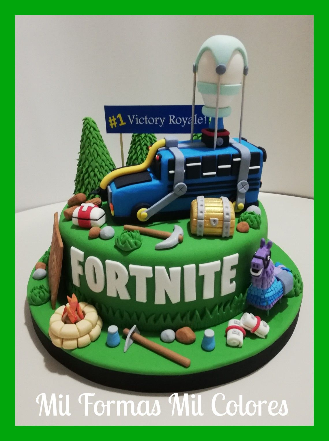 Fortnite Cake by Mil Formas Mil Colores