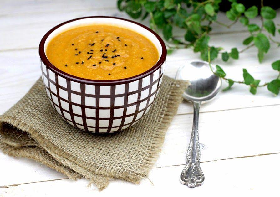 Blyskawiczna Zupa Z Czerwonej Soczewicy Z Pomidorami I Tymiankiem Zupa Pomidory