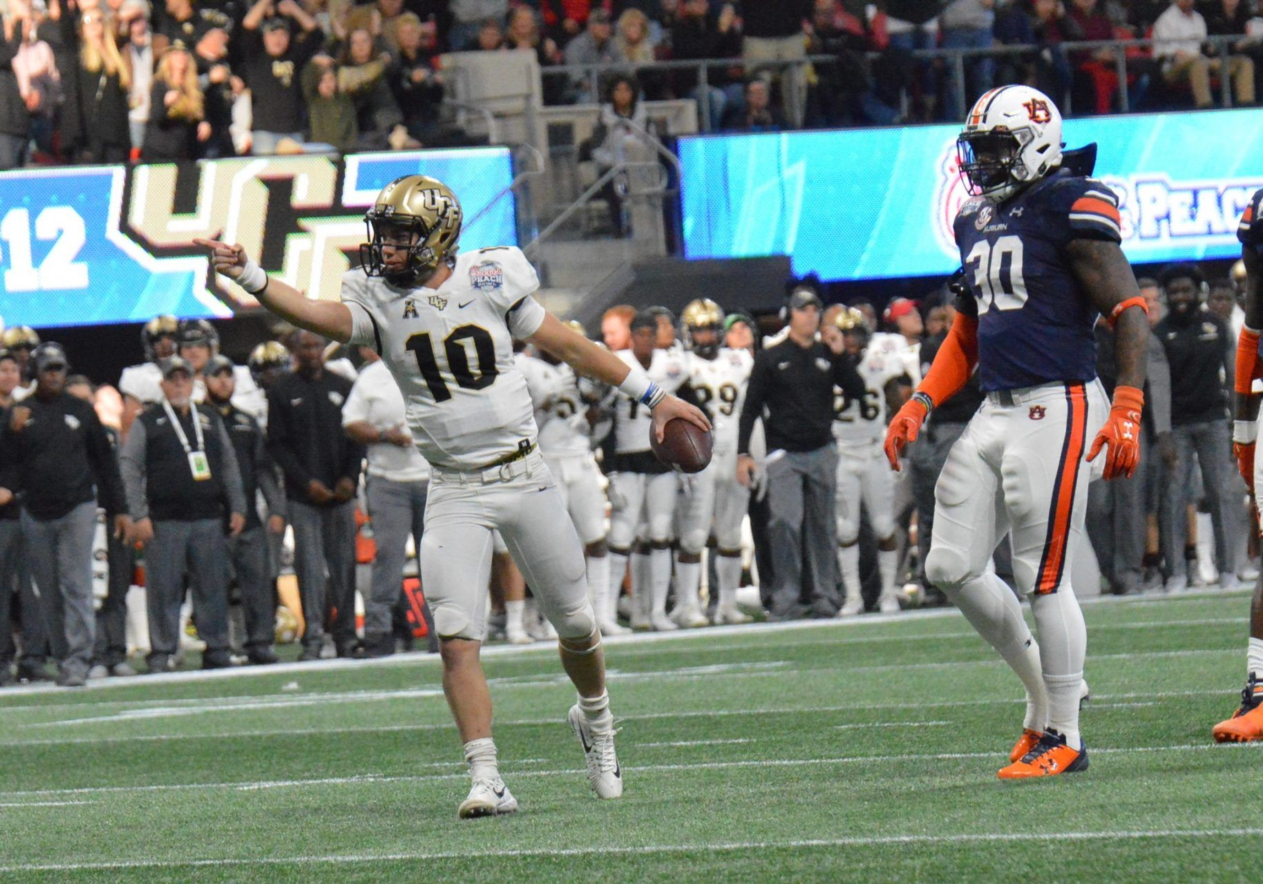 Ucf Earns Respect By Defeating Auburn 34 27 In The Chic Fil A Peach Bowl Scott Frost H American Athletic Conference Best Running Backs Heisman Trophy Winners