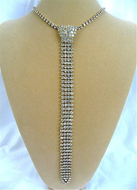 Hey, I found this really awesome Etsy listing at https://www.etsy.com/listing/198249249/vintage-crystal-necktie-necklace