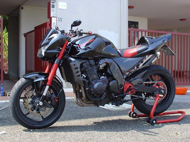Kawasaki Z750 Custom