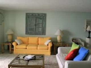 23 photos for Tristan Towers Condominiums 010C