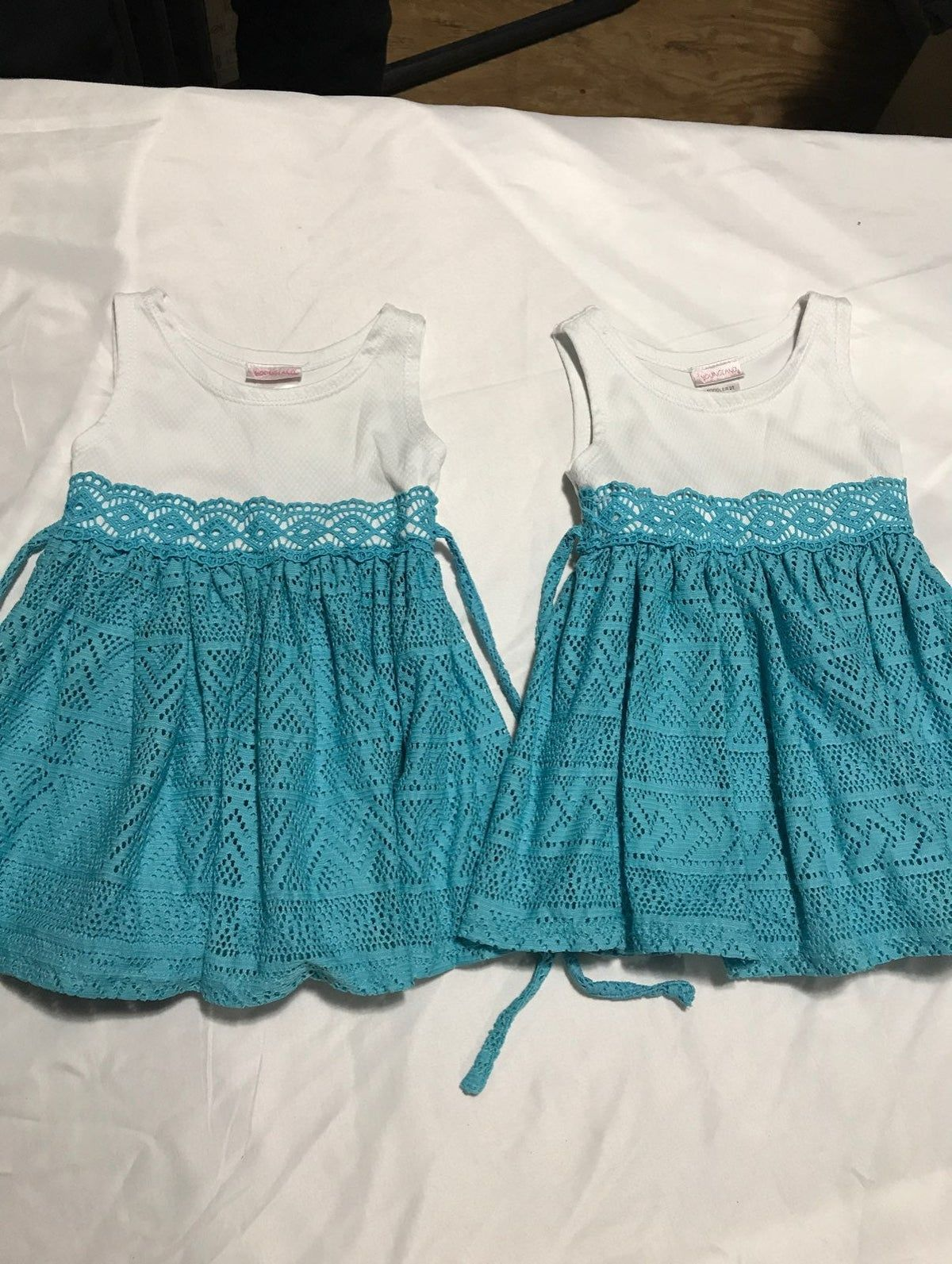 *Twins* Girls 2T Youngland Lace dresses