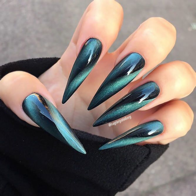 30+ Chic Ideas for Black Stiletto Nails | NailDesi