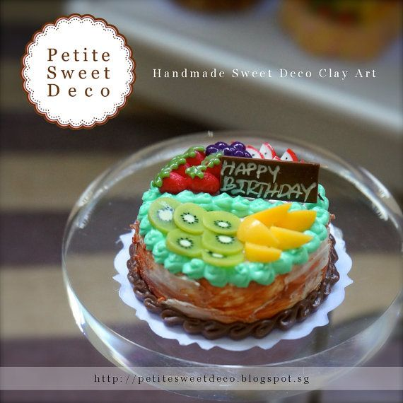 Miniatura Imán pastel de chocolate Fruta Fresca - en forma redonda - Torta de cumpleaños - Faux Alimentos - Dollhouse miniatura - Petite dulce de Deco