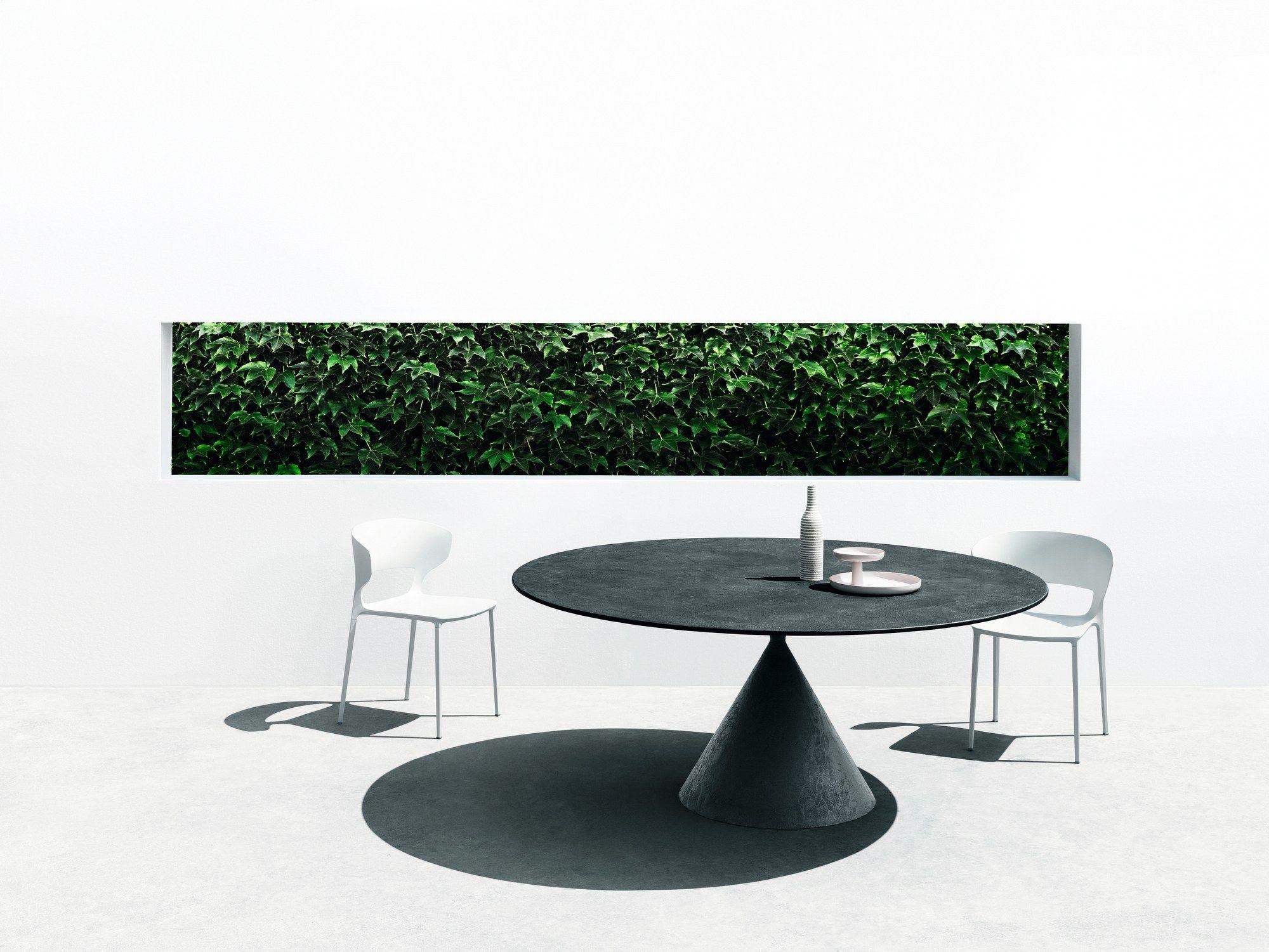 CLAY Tavolo in pietra by Desalto design Marc Krusin