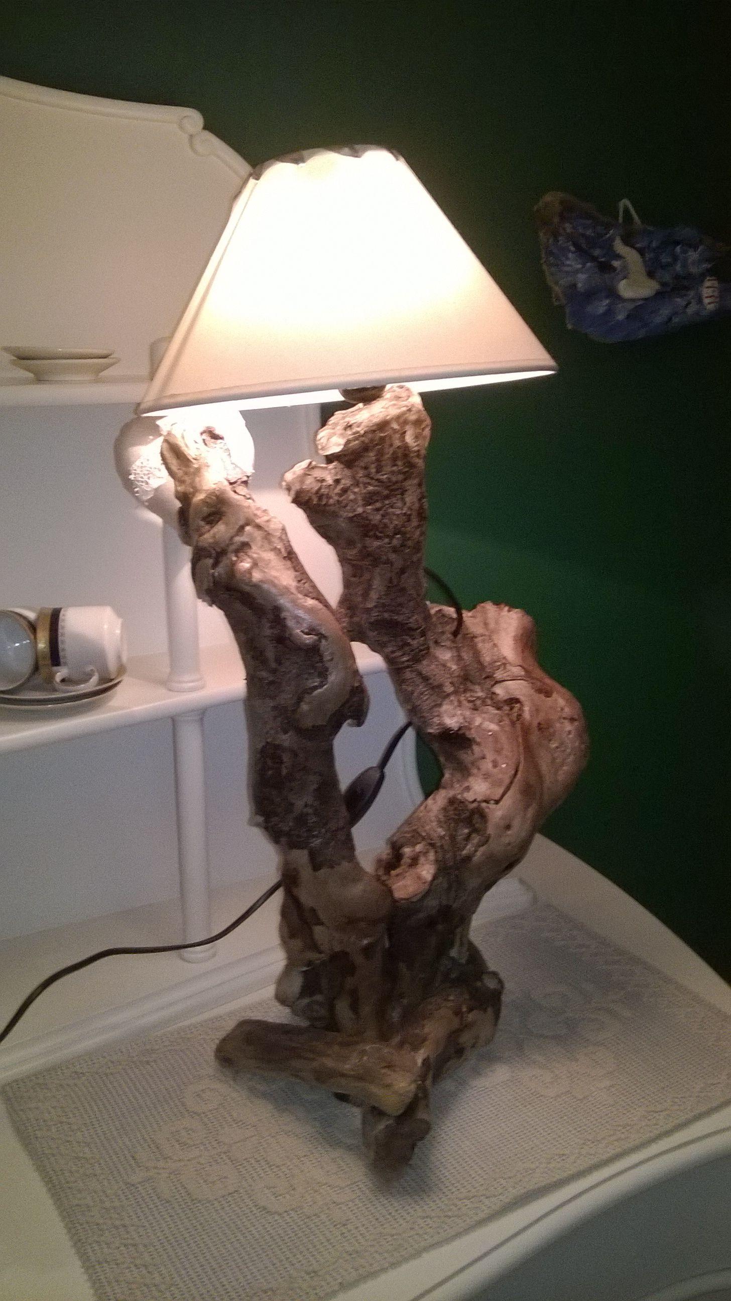 Driftwood lamp 11 diy s guide patterns - Lampada Creata Con Legni Spiaggiati Del Mare Di Siracusa