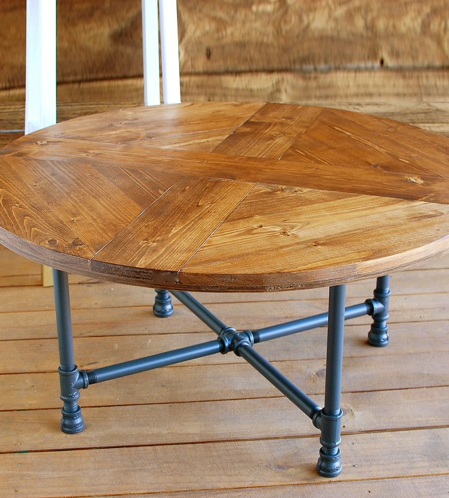 Reclaimed Wood Industrial Round Coffee Table: Reclaimed Wood Round Pattern Coffee Table With Pipe Legs