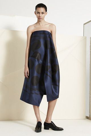 Stella McCartney Pre-Fall 2014 Collection Slideshow on Style.com