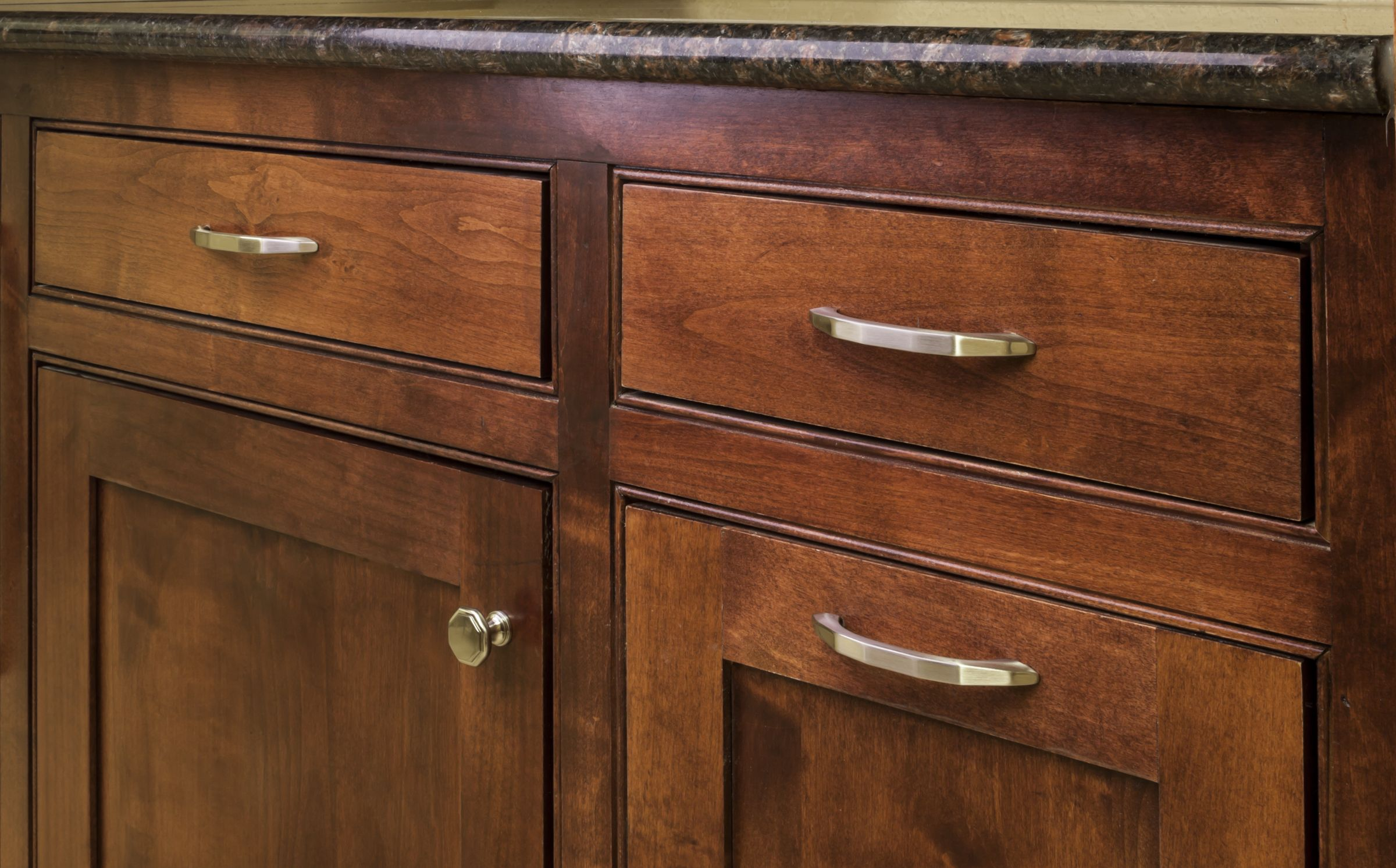 Drake knob and pulls from Elements by Hardware Resources. (424SN ...