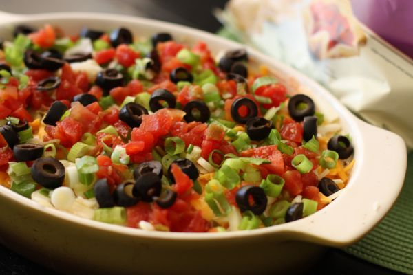 Easy Entertaining Dish: The 7-Layer Dip