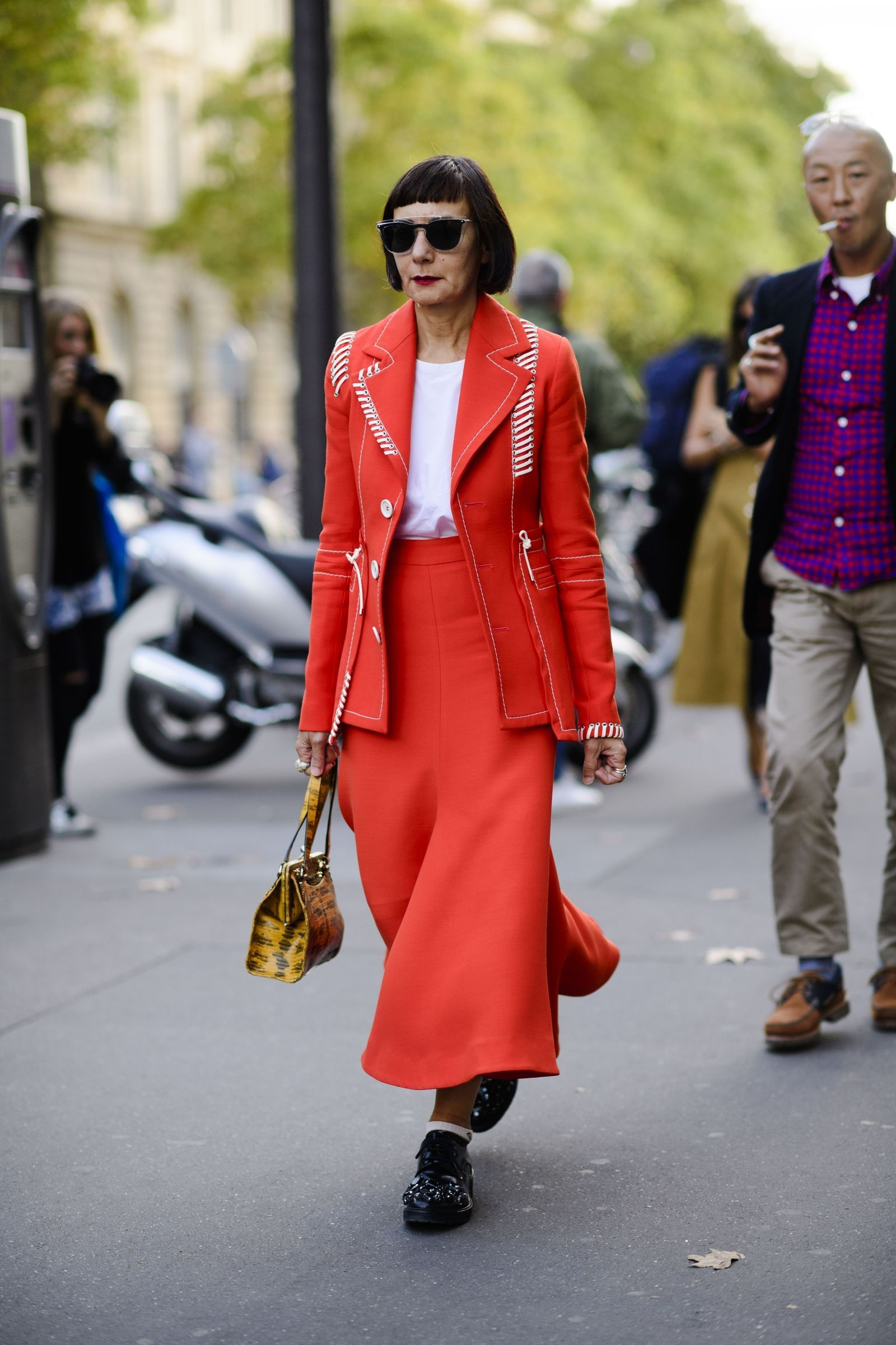 The Best Street Style From Paris Fashion Week Spring 2018 Street Styles Fashion Weeks And Street
