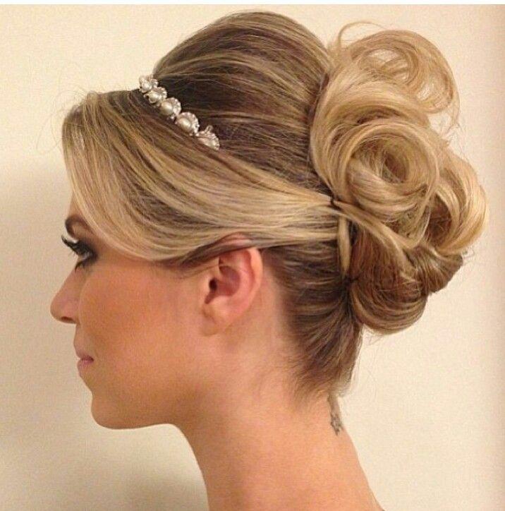 Pin ni lyudmila fursov sa hairstyles pinterest i explore ang wedding bride at higit pa junglespirit Image collections