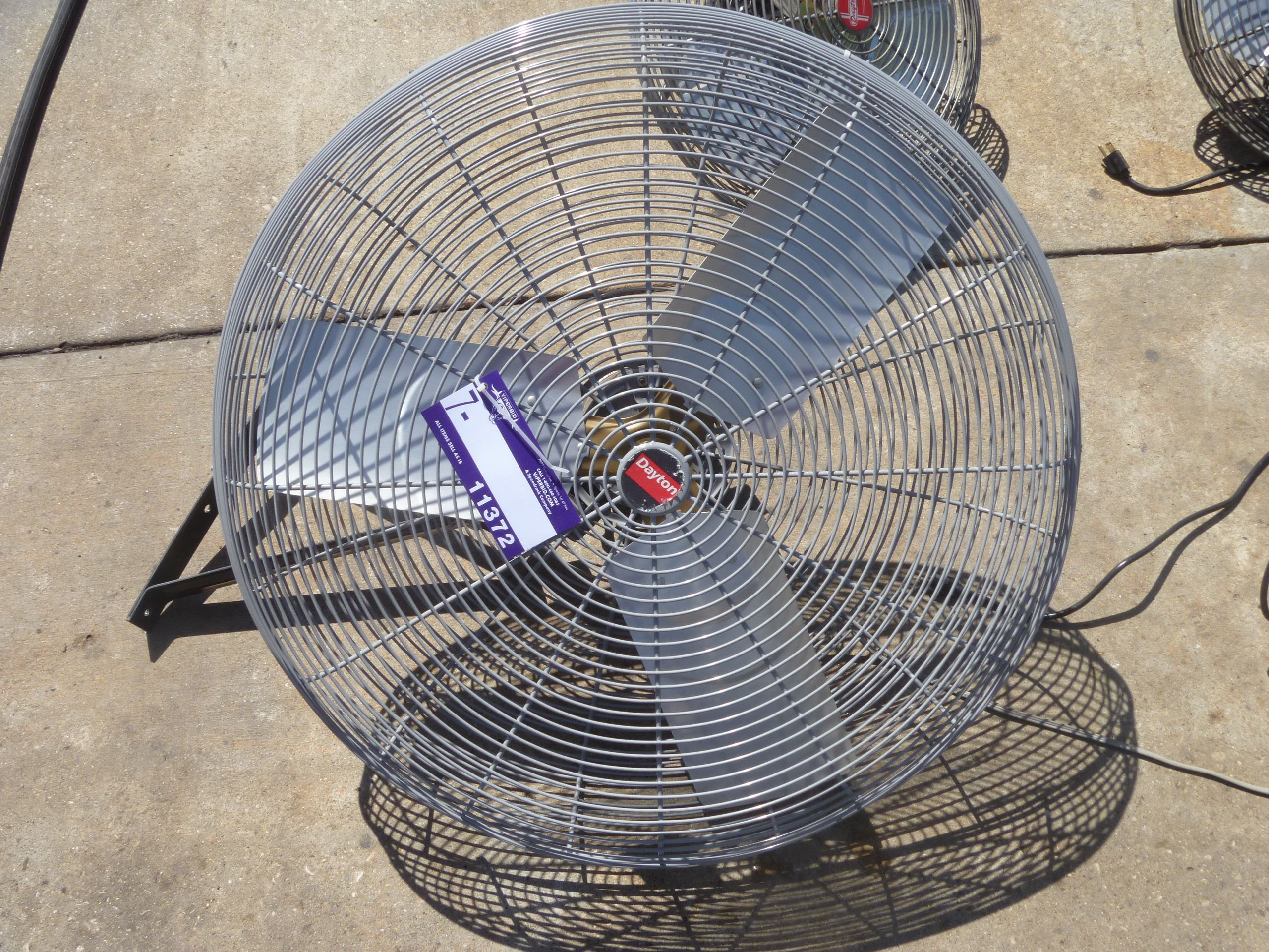 Dayton 32 inch oscillating air circulator for wall or