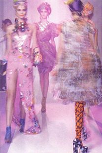 Fashion: shows, trends, news, celebrities, stars, beauty and style on Vogue Italia.